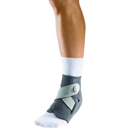 MUELLER Adjust-to-fit ankle stabilizer, stabilizátor kotníku